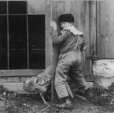 Images étranges du passé - Portrait - enfant, poule