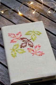 Aiva Adlere Source by bersoy Cross Stitching, Cross Stitch Embroidery, Hand Embroidery, Cross Stitch Patterns, Creative Embroidery, Modern Embroidery, Embroidery Patterns, Cross Stitch Fruit, Cross Stitch Flowers