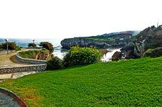 Vista sobre la playa de Puertu Chicu. Llanes, Concejo de Llanes. Principado de Asturias. Spain.   {By Valentin Enrique].