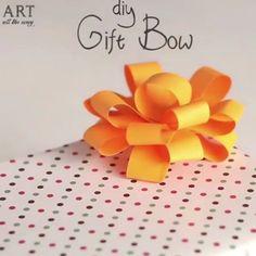 DIY Gift Bow | Follow@ventunoart| Facebook#artalltheway|… Diy Paper, Paper Crafts, Art All The Way, Gift Bows, Diy Bow, Paper Folding, Diy Videos, Diy Tutorial, Diy And Crafts