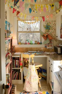 The Rosy Life: Mini House Tour: sprucing for spring! Tiny Studio, Home Studio, Toy Rooms, Fashion Room, Dream Rooms, Home Office Decor, Home Bedroom, Decoration, House Tours