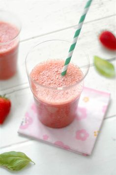 Strawberry, rucola, basil smoothie...