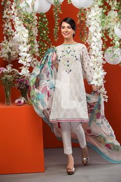 f8ff246543f5 Nishat Linen Introducing Latest Eid Collection 2016