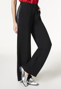 Go for something a little roomier with these wide leg pants.  l  JustFab