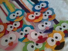 Os marcadores de página de Corujinhas são excelentes para lembranças de aniversário, Natal e eventos de grupos.  Podem ser produzidos em diferentes cores.  Pedido mínimo: 20 unidades R$ 6,00