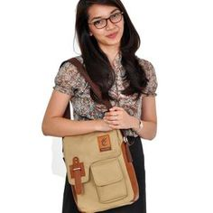 ESGOTADO FAIXO TERCERIO CREAM Sling Backpack, Backpacks, Bags, Fashion, Handbags, Moda, Fashion Styles, Backpack, Fashion Illustrations