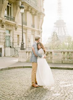 Anniversary couple session Paris by Harriette Earnshaw Photography Engagement Couple, Engagement Session, Romantic Anniversary, Sky High, Marriage, Lovers, Paris, Couples, Celebrities