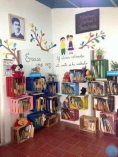 Beautiful original places to store your books - Pre-school Bethany Ford Class Decoration, School Decorations, Classroom Design, Classroom Decor, Preschool Classroom, Preschool Activities, Diy And Crafts, Crafts For Kids, Home Daycare
