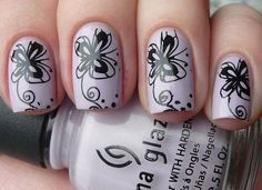 unhas decoradas com borboletas 30
