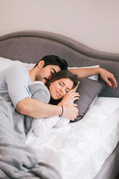 Sweet Dreams my love 🖤 Romantic Couples In Bed, Romantic Couple Kissing, Cute Couples Kissing, Wedding Couple Poses Photography, Romantic Wedding Photos, Cute Couples Goals, Couples In Love, Couple Romance, Couple Goals Relationships