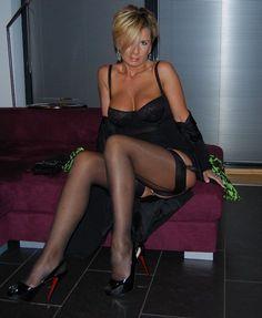 Hot mom wearing stocking. More hot pix here