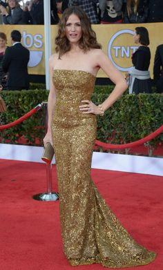 Jennifer Garner -  Jennifer Garner a opté pour une robe dorée du couturier pour assister à la 19e édition des prix Screen Actors Guild, en janvier 2013.