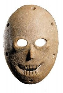 Face to Face: The Oldest Masks in the World features a dozen masks that date to the pre-pottery Neolithic B period (8300 – 5500 B.C.E.) and come from the Judean Hills and Wilderness. The stone masks are fashioned to look like human faces with short noses and holes for eyes and a mouth, many boasting articulated teeth.