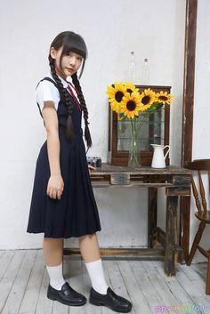 Cute School Uniforms, School Uniform Fashion, Japanese School Uniform, School Uniform Girls, School Girl Japan, School Girl Dress, Cute Girl Outfits, Modest Outfits, Pleated School Skirt