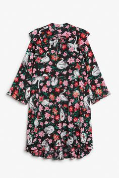 Oversized dress with frill details - Black magic/Print perfection - Dresses - Monki GB