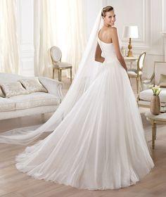 Pronovias apresenta o vestido de noiva Omagua. Glamour 2014. | Pronovias