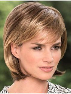 Wearing a stylish wig can quickly convert you into an attractive women. These Straight Blonde Bobs Lace Front Chin Length Sleek Synthetic Wigs are pre-styled wigs that can enhance your feminine charm and make you look gorgeous. Medium Hair Styles, Natural Hair Styles, Short Hair Styles, Medium Bob Hairstyles, Straight Hairstyles, Baddie Hairstyles, Bob Haircuts, Monofilament Wigs, Blonder Bob