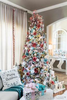 Are you already dreaming of Christmas? Set the scene for a merry and bright season with dreamy decor.