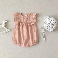 """957 kedvelés, 29 hozzászólás – minikin* (@minikin) Instagram-hozzászólása: """"pretty in pink. loving the new louis louise romper in eyelet lace with sweet little ruffles. (a…"""""""