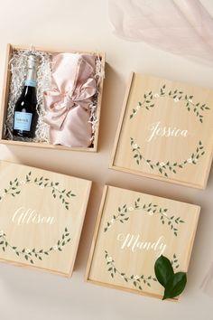 Bridesmaid Gift Boxes, Bridesmaid Proposal Gifts, Wedding Gift Boxes, Gifts For Wedding Party, Bridal Gifts, Bridesmaid Ideas, Wedding Gift For Groom, Wedding Presents For Parents, Useful Wedding Favors