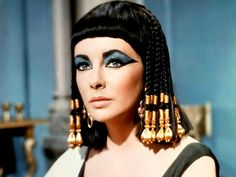 The Fashions of Cleopatra in Cinema – Flavorwire
