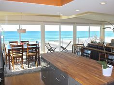 Wonderful Oceanfront Beach Retreat! Right on the Strand!