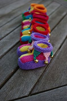 "Booties pattern by Kathie Popadin Pattern available for ""Jester Booties"" by Kathie Popadin.Pattern available for ""Jester Booties"" by Kathie Popadin. Knitting For Kids, Baby Knitting Patterns, Knitting Socks, Knitting Projects, Crochet Projects, Crochet Patterns, Baby Patterns, Crochet Baby Booties, Crochet Slippers"