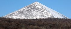 Rtanj mountain in Eastern Serbia, known for its pyramid shape. Serbia Travel, Occult Symbols, Spiritual Path, Belgrade, New Age, Homeland, Mount Rainier, Cosmos, Mount Everest