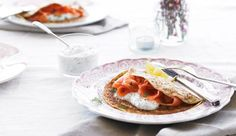 Smoked salmon and dill sauce pancakes, perfect for breakfast!