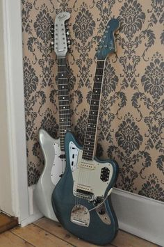 Add Your Guitar Site & Find Music Jobs Where You Are - Music Networks - THE guitar directory Fender Stratocaster, Fender Guitars, Music Guitar, Cool Guitar, Acoustic Guitar, Fender Jaguar, Fender Custom Shop, Guitar Design, Country Music