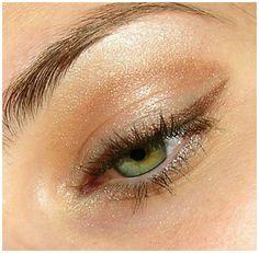 Purple Eye Makeup, Glitter Eye Makeup, Skin Makeup, Light Eye Makeup, Sparkly Eyeshadow, Peach Eyeshadow, Eyeshadow Palette, Cool Makeup Looks, Cute Makeup