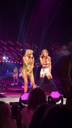 1989 World Tour 💋 Taylor Swift, The 1989 World Tour, 1989 Tour, Nashville Tennessee, Tours, Concert, Country Singers, Artists, Concerts