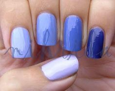 Ombre manicure...Reminds me of a bathingsuit I used to have.