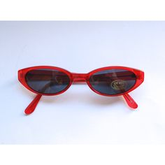 Vintage de los años 90 Lucite rojo gafas de sol Sunnies transparente... ❤ liked on Polyvore featuring accessories, eyewear, sunglasses, vintage sunglasses, vintage eyewear, transparente, vintage glasses and oval sunglasses