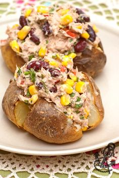 Spicy Tuna, Corn & Red Kidney Bean Jacket Potatoes Baked potatoes filled with spicy tuna, great also as sandwich filler or pasta topping. Baked Potato Fillings, Potato Toppings, Baked Potatoes, Potato Sauce, Baked Potato Recipes, Cheesy Potatoes, Dog Recipes, Fish Recipes, Cooking Recipes