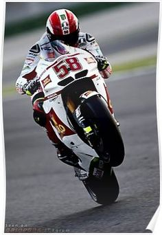 RIP Marco Simoncelli - you brought fun and excitment back to Moto GP! Grand Prix, Nascar, Gp Moto, Stock Car, Side Car, Honda, Valentino Rossi 46, E Sport, Bike Rider