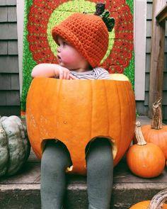 Crocheted Pumpkin Hat,  Children's pumpkin Hat, Halloween accessories, Warm hats, Winter Hats, kids winter hats - pinned by pin4etsy.com