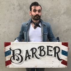 Vintage Sign artist TJ's been pulling dagger lines since he started building his first hot rod with his dad at the tender age of Painted Letters, Hand Painted Signs, How To Make Signs, Making Signs, Pinstripe Art, Barbershop Design, Love Plus, Signwriting, Primitive Signs