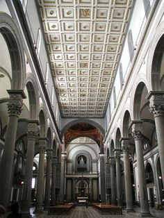 Medici Chapels and Church of San Lorenzo - Florence. Filippo Brunelleschi - Nave.