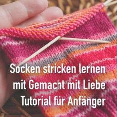 Heute zeige ich Euch mit vielen Fotos, wie Ihr ganz einfach einen Basis-Sock mit Today I'll show you with lots of photos how to easily create a basic sock with … – Baby's sleep problems:CROCHET SHRUG Hello everybodySize chart for socks Easy Knitting, Knitting Stitches, Knitting Socks, Knitting Needles, Knitting Patterns, Knit Socks, Knit Hats, Blanket Patterns, Baseball Socks