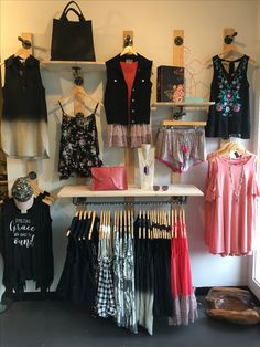 Nashville Clothing Boutique, Upper Eastside Nashville, offers Trendy Bohemian Clothing at affordable prices. Boutique Decor, Mobile Boutique, Boutique Clothing, Boutique Ideas, Vendor Displays, Store Displays, Outdoor Workout, Bb Shop, Mannequin Display
