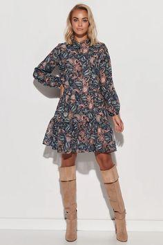 Ένας χώρος με ιδιαίτερα γυναικεία ρούχα και αξεσουάρ , με υψηλή ποιότητα και προσιτές τιμές.Έχουμε τα πιο στιλάτα είδη μόδας, μην ψάχνετε πουθενά αλλού, το Blush Greece είναι το δικό σας προσωπικό κατάστημα. Day Dresses, Model, Sweaters, Clothes, Collection, Products, Polyester, Tour, Washing Machine