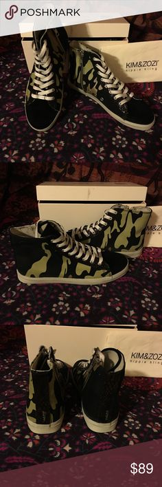 """NIB,Kim&Zozi,""""Congo""""Camo&Blk High-top,Sz8,BoHo🌀 Awesome Deal here for you! Here are a pair of Kim & Zozi """"Hippie Bling,"""" """"Congo"""" Model High-tops in Camo Canvas and Black Suede Leather. Very Stylish and you get these Babies at nearly 2/3 off of original price! Side Zips allow you to leave your laces the way they are meant to be~however you tied them! :-) more Kim & Zozi to come!🌀Thanks for shopping Laika's Boutique and be sure to check back often as we add new items daily.🌀 Kim & Zozi…"""