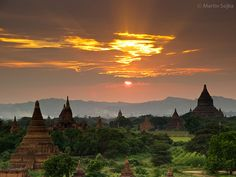 Bagan is notable for its expanse of sacred geography, the number and size of their individual ancient monuments. The ruins of Bagan cover an area of 16 square miles. The majority of its buildings were built in the 11th to 13th centuries, during the time Bagan was the capital of the Myanmar dynasty.