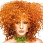 Specialmente in vista dell'estate, sono molte le ragazze che decidono di cambiare colore dei propri capelli. Spesso però ci si basa su modelli o riviste e, ovviamente, quel dato colore potrebbe non avere lo stesso effetto sulla nostra pelle.