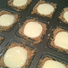 These tiny squares of graham crust filled with tart lime pie and whipped cream are a refreshing and fun party treat! Yes, I finally got the Chicago Metallic Lift & Serve Squares Pan and I love …