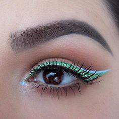 Green & Aqua eyeliner on @dirtymelodies