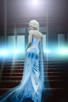 Elsa by Kanra-sama on DeviantArt Frozen Cosplay, Elsa Cosplay, Disney Princess Cosplay, Disney Cosplay, Frozen Queen, Queen Elsa, Frozen Dress Up, Gothic Photography, Disney Frozen Elsa
