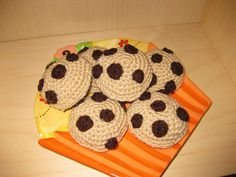Here's a super easy, super cute crochet project. Crochet chocolate chip cookies! They make great play food for tea parties, and you can use ...
