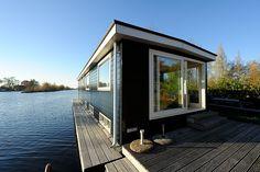 Hier vindt u een overzicht met foto's van Vakantie Loosdrecht. Een vakantiehuis met sloep aan de Loosdrechtse Plassen.